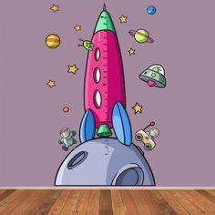 Vinilo infantil medidor coete niña Mide como crece tu hija y decora su habitación con este vinilo decorativo lleno de color y diversión. El vinilo viene en una lámina de 100x80 cm. Es ideal para combinar con el vinilo infantil astronauta en el espacio.
