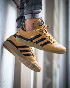 Adidas Busenitz Pro - Mesa/Core Black/Gum - 2016 (by titolo) Buy it: Titus / Adidas UK / Sneakerstudio Adidas Busenitz, Sneakers Mode, Sneakers Fashion, Fashion Shoes, Shoes Sneakers, Women's Shoes, Sneaker Outfits, Herren Outfit, Sports Shoes