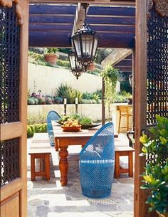 Gorgeous outdoor setting from Jeff Andrews via Desire to Inspire