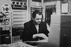 Behind the scenes look at Barry Gordy Jr. working some of his final-cut-mixing magic. Singer Jackie Wilson provided Barry Gordy Jr. with his first hit, titled Reet Petite!  Achie  @giftkone