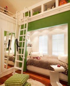 f1cc788385b16c Un lit caché près du plafond et un petit coin lecture douillet sous la  fenêtre
