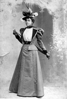 "Portrait of a young African American auntada: "" Portrait of a young African American woman. 1890 Burgess Studio, photographer ""auntada: "" Portrait of a young African American woman. Victorian Women, Victorian Era, Victorian Fashion, Vintage Fashion, Belle Epoque, Foto Portrait, African American Fashion, 1890s Fashion, Gothic Fashion"