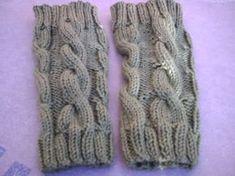 Hola compys tejedoras!!!!! Ya terminé mis primeras polainas para estar bien calentita este invierno, aquí os subo unas fotos para que las podais ver. A mí las q