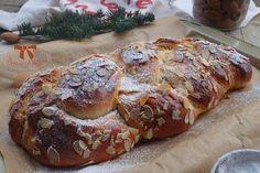 Kvásková vianočka s mandľovými lupienkami - Sisters Bakery Bakery, Sisters, Bread, Bread Store, Breads, Baking, Bakery Business, Daughters, Big Sisters