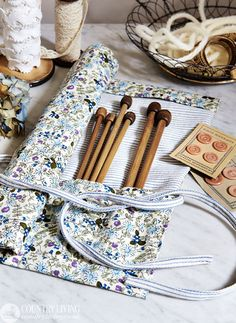 This compact knitting needle roll makes a great gift for crafty friends http://www.countryliving.co.uk/create/craft/make-your-own-knitting-needle-roll