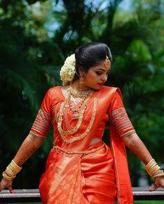Image may contain: one or more people and people standing Kerala Hindu Bride, Kerala Wedding Saree, Bridal Sarees South Indian, Indian Bridal Fashion, Indian Bridal Wear, South Indian Bride, Wedding Sarees, South Indian Wedding Hairstyles, Bridal Hairstyle Indian Wedding
