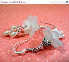 BLACK FRIDAY SALE Earrings lucite flowers white by JewelrySong