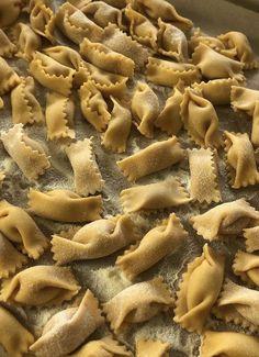 Sangria Wine, Italian Summer, European Summer, Yogurt Parfait, Drying Pasta, Grubs, Picky Eaters, Stuffed Mushrooms, Food And Drink