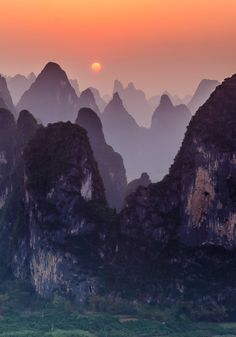 Sunset at Xingping, Guangxi, China (by James Bian), I want to visit this place! I have seen dozens of pictures of it and it always looks beautiful. Oh The Places You'll Go, Places To Travel, Places To Visit, Beautiful World, Beautiful Places, China Travel, Nature Photos, Beautiful Landscapes, Wonders Of The World
