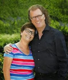 An André Rieu Fansite For English Speaking Fans Around The World! Queen Elizabeth Photos, André Rieu, Johann Strauss Orchestra, My Beautiful Friend, Famous Couples, Comedians, Famous People, Celebs, Couple Photos