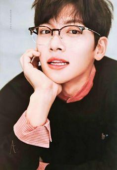 He is perfection Asian Actors, Korean Actors, Korean Dramas, Korean Celebrities, Celebs, Ji Chang Wook Healer, Saranghae, Ji Chan Wook, Jung Hyun