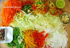 Haitian Style Cole Slaw (Pikliz) - The Best Mexican Recipes Carribean Food, Caribbean Recipes, Haitian Food Recipes, Jamaican Recipes, Salad Recipes, Vegan Recipes, Cooking Recipes, Donut Recipes, Hatian Food