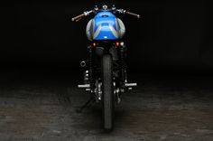 Revival Cycles Bean - Kawasaki W650 : The business end of one quick little W650.