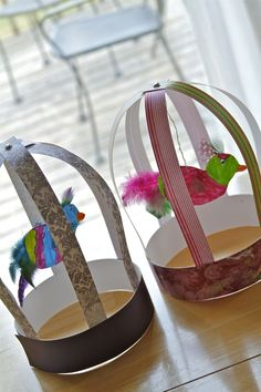 Holly's Arts and Crafts Corner: 2012: Mommy Art Camp--Paper Bird Cages Cute for spring.