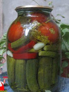 Рецепт маринованных помидоров и огурцов на зиму (маринованное ассорти). Быстро, просто, красиво, компактно, вкусно – маринованные овощи в одной банке