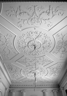 Geoffrey Preston Ltd is a small, artist led company, specialising in fine new decorative plasterwork. Plaster Ceiling Design, Floor Ceiling, Ceiling Tiles, Ceiling Decor, Pop Design For Roof, Plafond Staff, Moldings And Trim, Moulding, Plafond Design