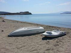 Εδώ ο χρόνος σταματά: Στο νησί με τις 18 παραλίες που μπορείς να πας ποδαράτο, θα κάνεις τις καλύτερες διακοπές της ζωής σου (Pics) Surfboard, Surfboards, Surfboard Table