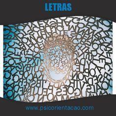 LETRAS – Estudo relacionado à língua portuguesa e estrangeira, literatura.        Atuação: Carreira acadêmica, editoração, ensino, revisão, tradução