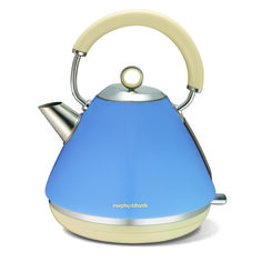 Accents Traditional Kettle Cornflower Blue, Morphy Richards, The Retro Accents Collection offers you the fuctional features required in your kitchen combined with a retro design to fit with your style. Small Appliances, Kitchen Appliances, Kitchens, Kitchen Canisters, Kitchen Gadgets, Kitchenware, Traditional Kettles, Kettle And Toaster Set, Green Electric