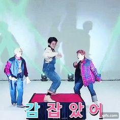 Jungkook dance Run! BTS gif
