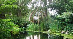 Ornate Garden | The Rotating Lounger