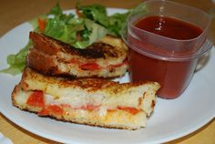 Kristi's Kitchen Kreations: Grilled Cheese Pizza