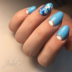 Pretty Blue Floral Nail Art Design. Another flora inspired nail art design on the list. Get your nails covered with this nail art design and be classy.