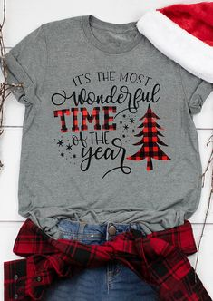 Almost Holiday Season Christmas Wonderful Time Of The Year Gray ! fast ferienzeit-weihnachtswunderliche jahreszeit grau Almost Holiday Season Christmas Wonderful Time Of The Year Gray ! Christmas Tee Shirts, Plaid Christmas, Christmas Sweaters, Christmas Outfits, Christmas Trees, Christmas Clothes, Christmas Fashion, Christmas Design, Christmas Presents