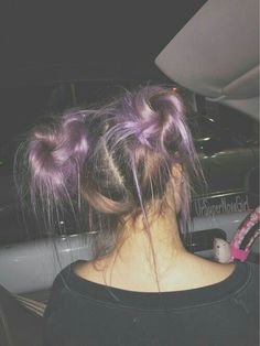 Best Picture For vintage grunge hair For Your Taste You are looking for something, and it is going t Bun Hairstyles, Pretty Hairstyles, Grunge Hairstyles, Hairstyles Tumblr, Two Buns Hairstyle, Ladies Hairstyles, Tumblr Mode, Dye My Hair, Hair Dos