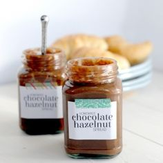 Your friends will love you when you make them this homemade Nutella recipe. This chocolate hazelnut spread is the perfect holiday gift.