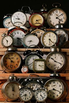 Collecting & Displaying Collections Of Vintage Clocks Great old clocks . Collecting & Displaying Collections Of Vintage Clocks Great old clocks are fun collectibles and can be found a Old Clocks, Antique Clocks, Vintage Clocks, Rustic Clocks, White Clocks, Foto Art, Retro, Displaying Collections, Collections Of Objects