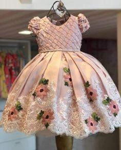 Little girls dress Baby Girl Party Dresses, Toddler Girl Dresses, Birthday Dresses, Little Girl Dresses, Girls Dresses, Kids Frocks Design, Baby Frocks Designs, Kids Dress Patterns, Kids Gown