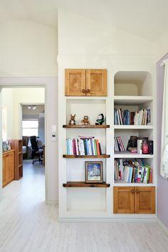 아내의 건강 회복을 위해 지은 천안 프로방스 주택 : 네이버 포스트 Provence, Bookcase, Shelves, Home Decor, Shelving, Decoration Home, Room Decor, Book Shelves, Shelving Units