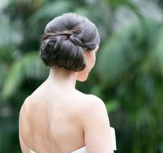Wedding Day Beauty Tip plus 19 stunning wedding hairstyles we love. To see more: http://www.modwedding.com/2013/12/28/wedding-day-beauty-tip-19-stunning-wedding-hairstyles-love/