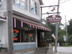 Best Ice cream in the Chicago land area suburbs is at the Plush Horse