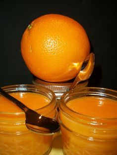 Homemade Orange Curd , this is perfect mixed with buttercream for cake filling layers Blueberries, Lemond Curd, Salsa Dulce, Chutneys, Jam And Jelly, Cake Fillings, Orange Recipes, Preserving Food, Canning Recipes