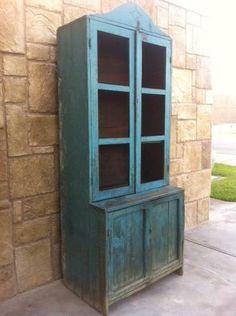 1000 images about vitrinas antiguas on pinterest - Muebles para trasteros ...