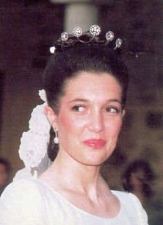 Austrian Tiara worn by Her Royal Highness Princess María of Bourbon-Two Sicilies, Archduchess María of Austria. Royal Crown Jewels, Royal Crowns, Royal Tiaras, Royal Jewelry, Tiaras And Crowns, Jewellery, Royal Brides, Royal Weddings, Bourbon