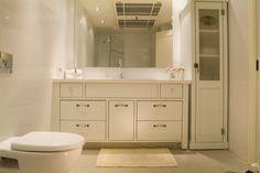 חדר אמבטיה לבן - פשטות מטבחים