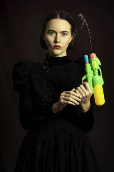 After Pop culture meets Flemish painting and Street Art meets Classical Painting, it is now the turn of the Argentinian artist and photographer Romina Ressia