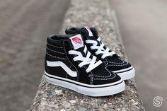 2eb8dbd73d4 21 beste afbeeldingen van Vans sneakers in 2019 - Vans authentic en ...
