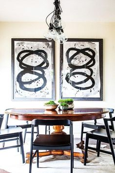 30 Best Oval Tables Ideas You'll Love - InteriorSherpa Modern Dining Table, Dining Table Chairs, Modern Chairs, Dining Rooms, Tables, White Wood Kitchens, Kitchen Wood, Kitchen On A Budget, Dining Room Design