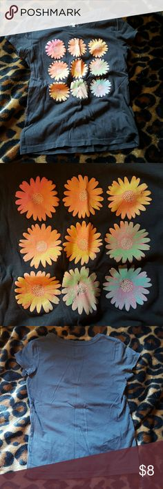 Girl's Flower Shirt No signs of wear, looks new, cute daisy design on front Circo Shirts & Tops Tees - Short Sleeve