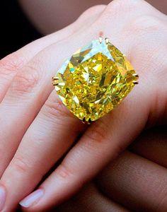 Victoria Beckham's ~ Canary diamond ring
