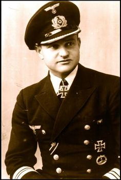 ✠ Heinrich Bleichrodt (October 21st, 1909 - January 9th, 1977) RK 24.10.1940 Kapitänleutnant, Kdt. U-48 [125. EL] 23.09.1942 Kapitänleutnant, Kdt. U-109