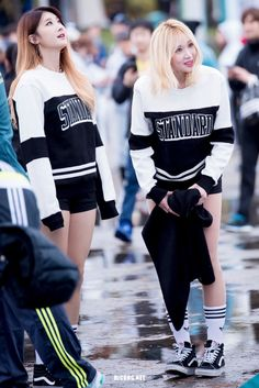 Nine Muses Hyuna & Erin