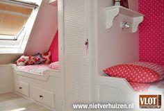 Meisjeskamer op zolder Bunk Beds, Toddler Bed, Furniture, Home Decor, Child Bed, Decoration Home, Loft Beds, Room Decor, Home Furnishings