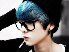 Ulzzang boy~  | via Tumblr