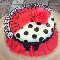 Spanish motifs cake, flamenco cake