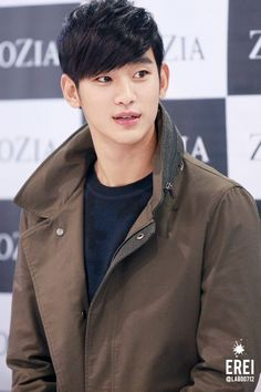 [Event] Awesome Kim Soo Hyun #김수현 as he Arrives at ZioZia Fan Signing Event…